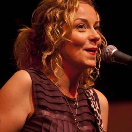 "Anneke Van Giersbergen – ""The Unplugged Experience."" - Κινηματογράφος Τριανον- 16/5/2015"